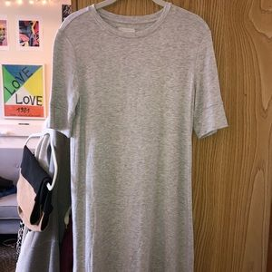 GREY T-SHIRT MINI DRESS. LOFT/LOU AND GREY
